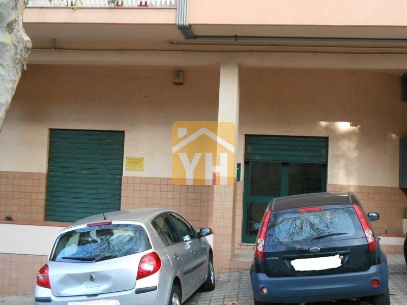 Ottimo investimento a Reggio Calabria. Già a reddito. Con posto auto.